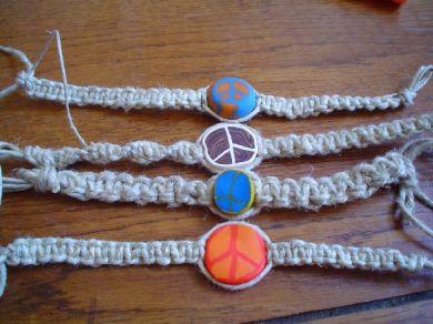 How to tie bracelet